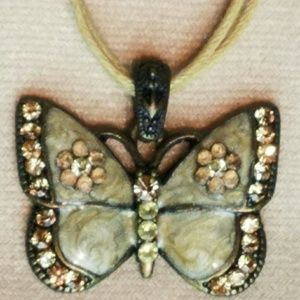 Jewelry - Vintage Butterfly Necklace